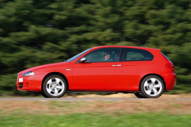 alfa romeo 147 facelift 2004 3 doors 1 9 jtd 120 hp. Black Bedroom Furniture Sets. Home Design Ideas