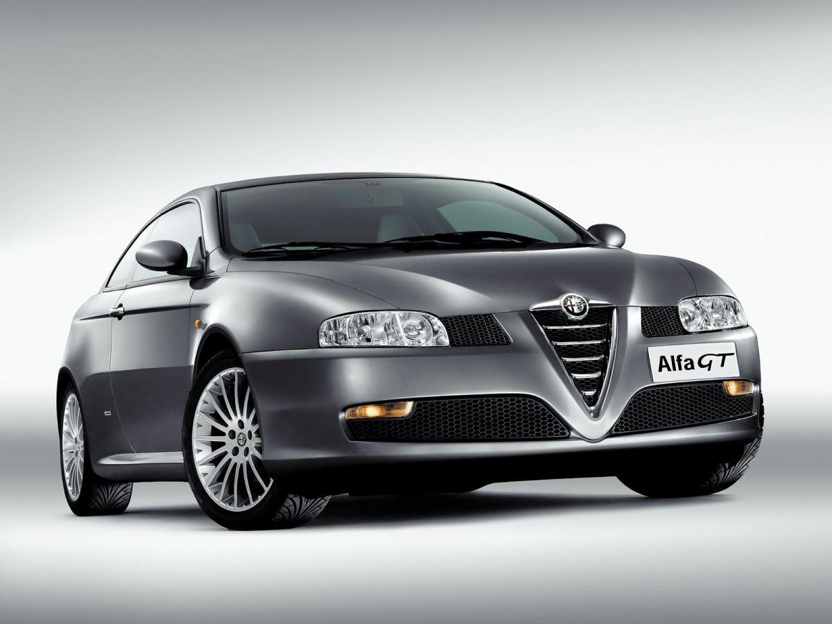 alfa romeo gt coupe 1 8 t spark 140 hp. Black Bedroom Furniture Sets. Home Design Ideas
