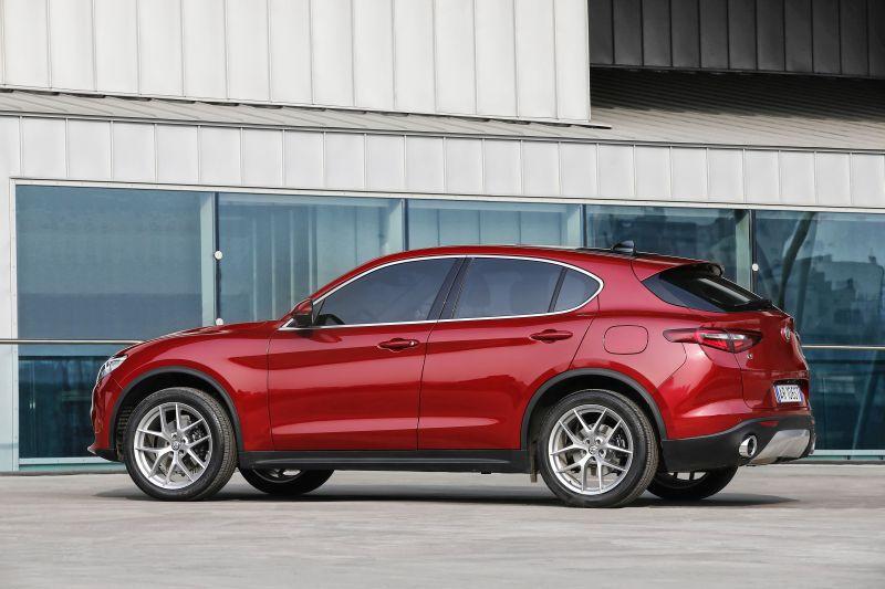 Chrysler 200 Tire Size >> Alfa Romeo Stelvio 2.0 (200 Hp) AWD Automatic