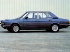 BMW  5 Series (E12)  525 (146 Hp)