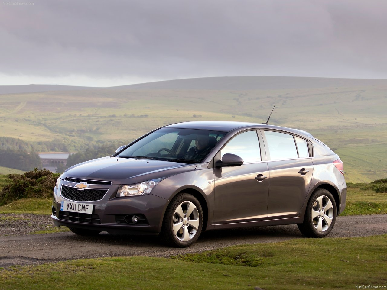 chevrolet cruze technical specifications and fuel economy. Black Bedroom Furniture Sets. Home Design Ideas