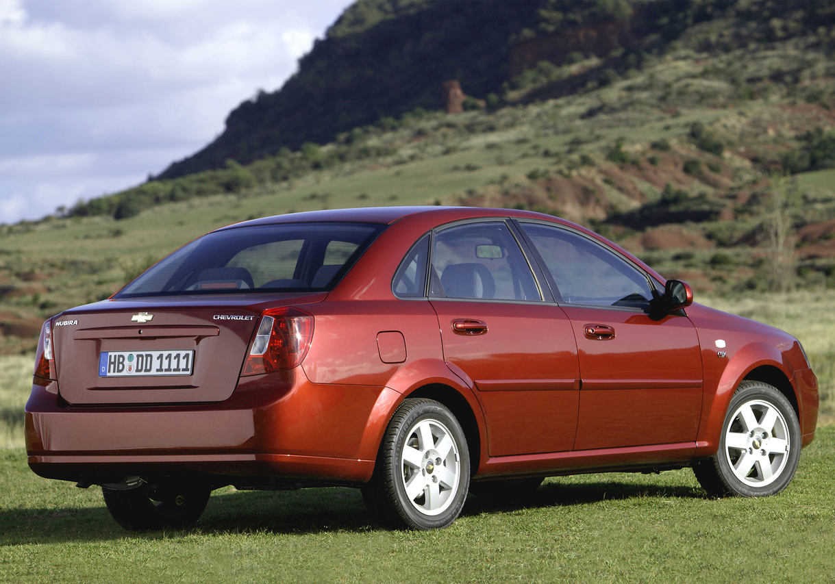 Chevrolet Lacetti hatchback - özellikleri ve değerlendirmeleri