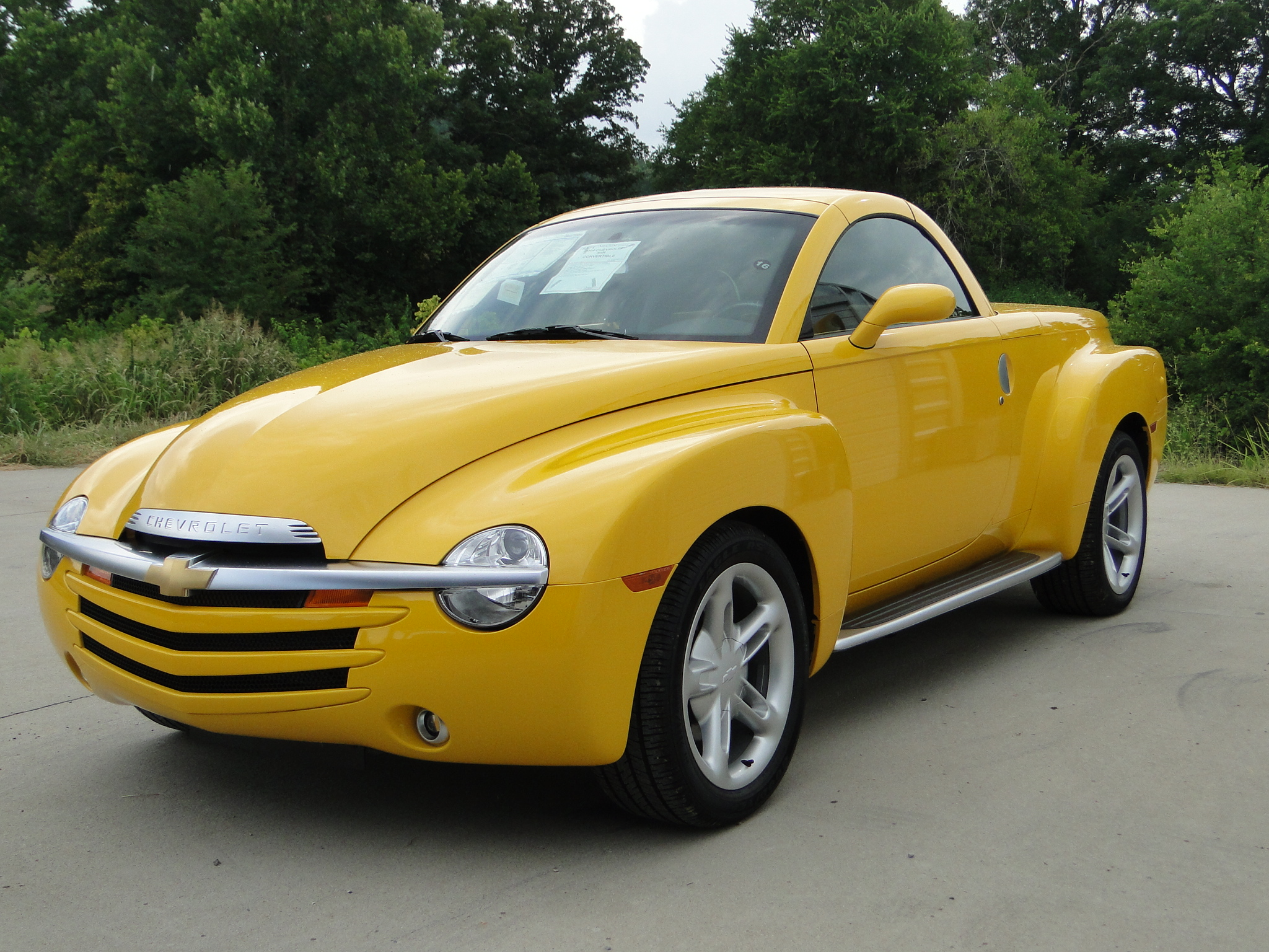chevrolet ssr technical specifications and fuel economy. Black Bedroom Furniture Sets. Home Design Ideas