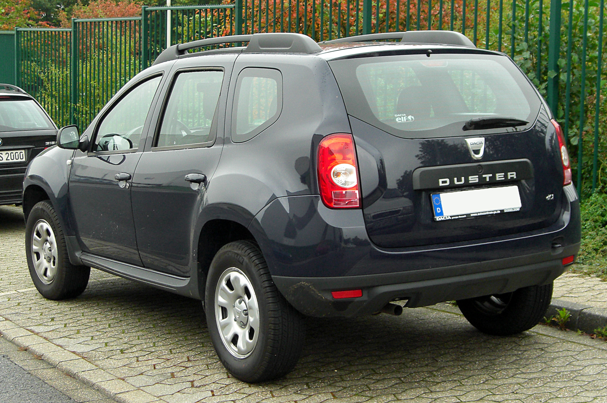 dacia duster sp cifications techniques et conomie de carburant. Black Bedroom Furniture Sets. Home Design Ideas