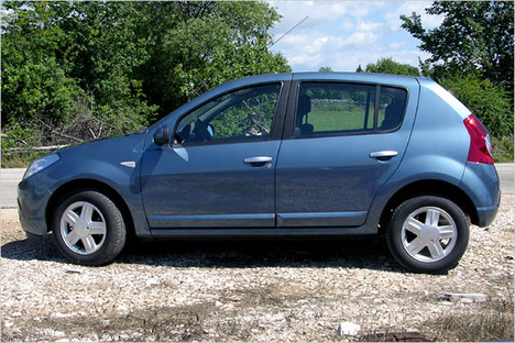 dacia sandero technical specifications and fuel economy. Black Bedroom Furniture Sets. Home Design Ideas