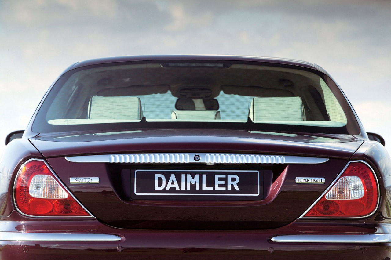 Daimler Super Eight Technical Specifications And Fuel Economy