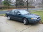 Ford  Taurus  2.5 i (106 Hp)