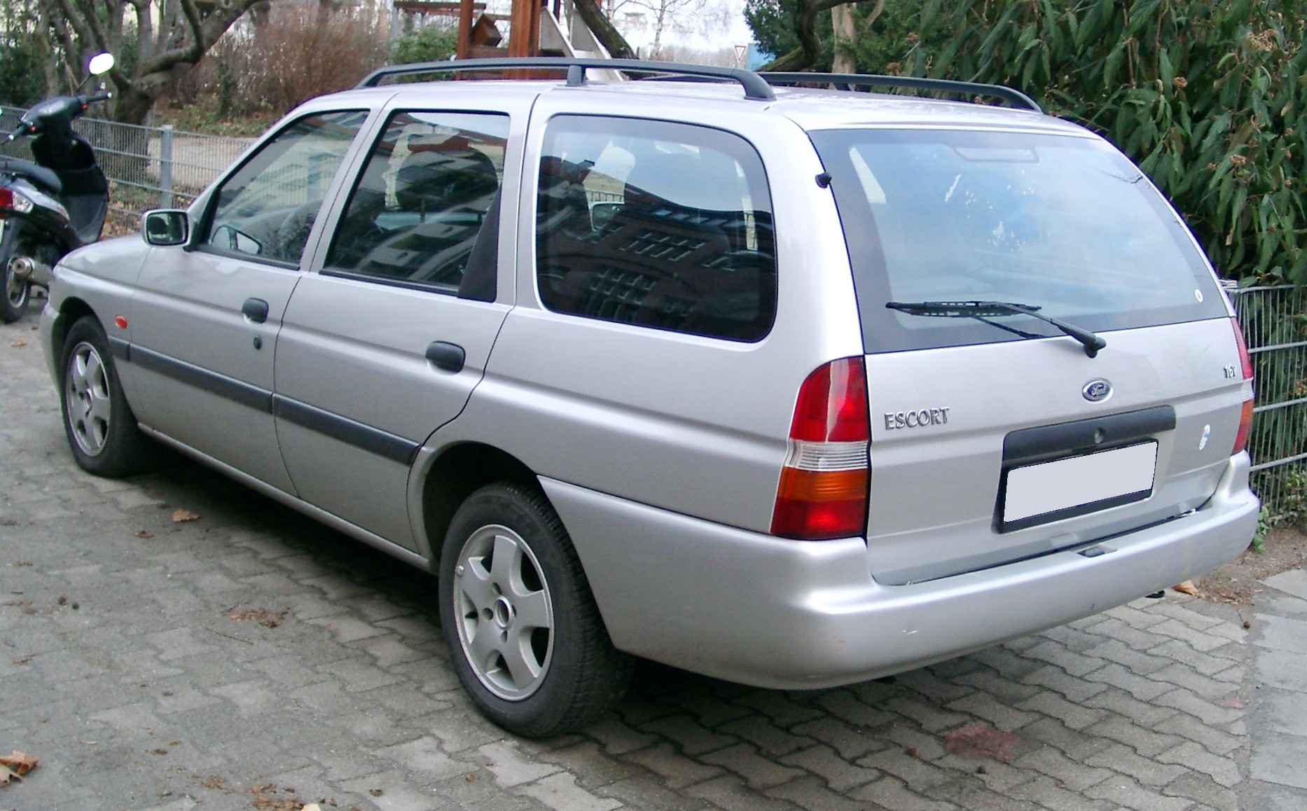 ford - escort vii cabrio - 1.6 i 16v (90 hp)