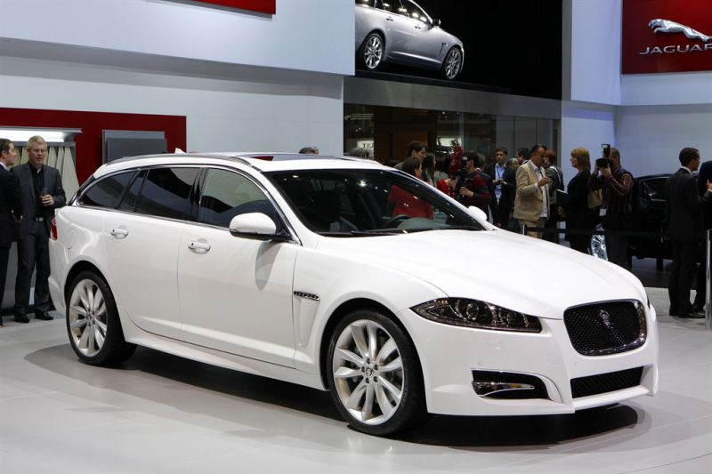 jaguar xf technical specifications and fuel economy. Black Bedroom Furniture Sets. Home Design Ideas
