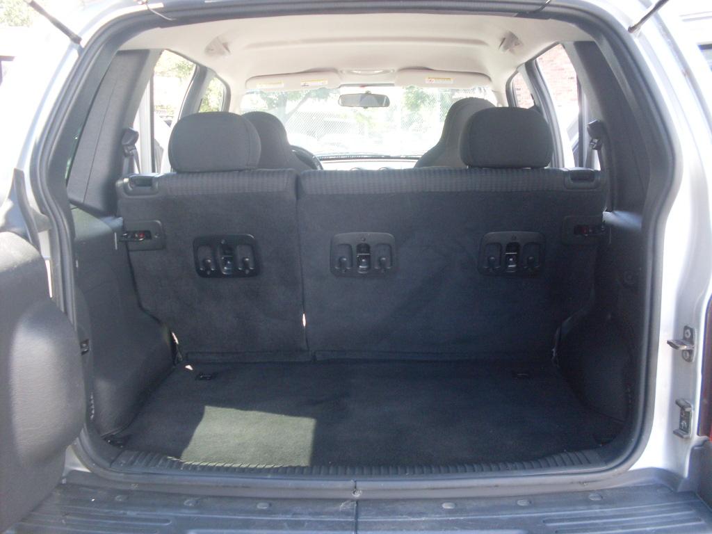 Jeep Liberty 3 7 I V6 12v  213 Hp  4wd