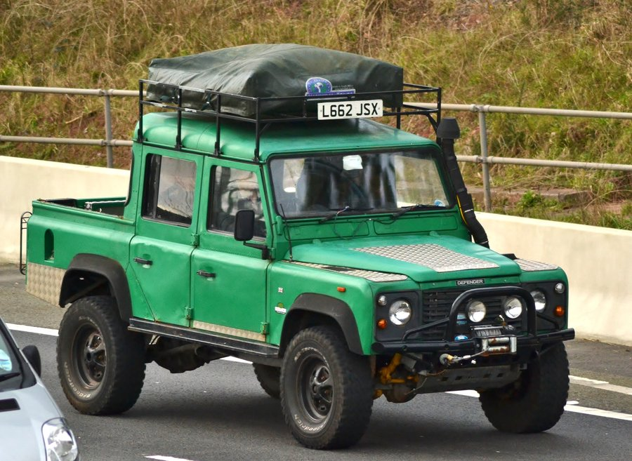 Land Rover - Defender 110 - 2.5 D (68 Hp)