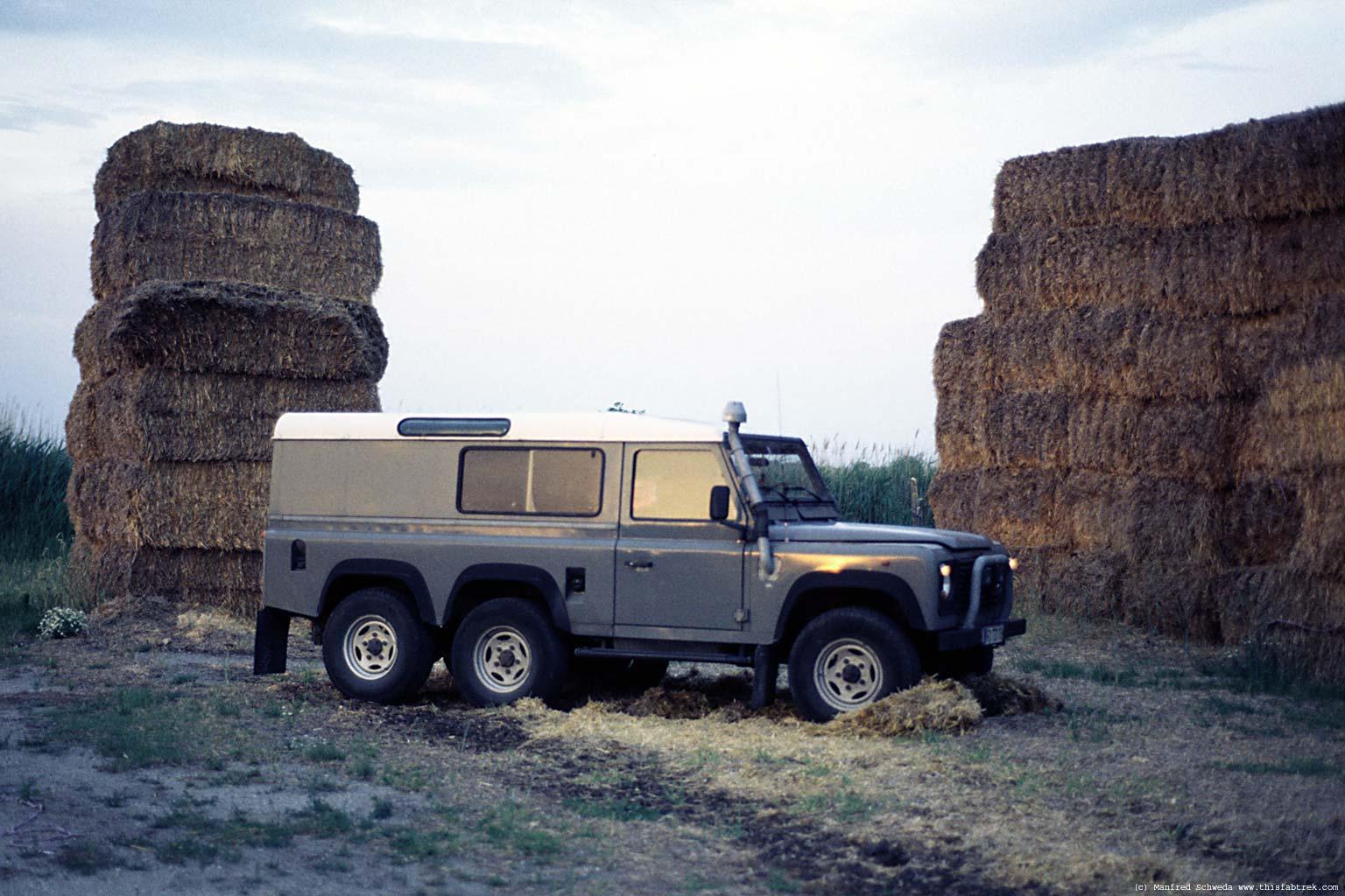 land rover defender 130 2 5 td5 122 hp. Black Bedroom Furniture Sets. Home Design Ideas