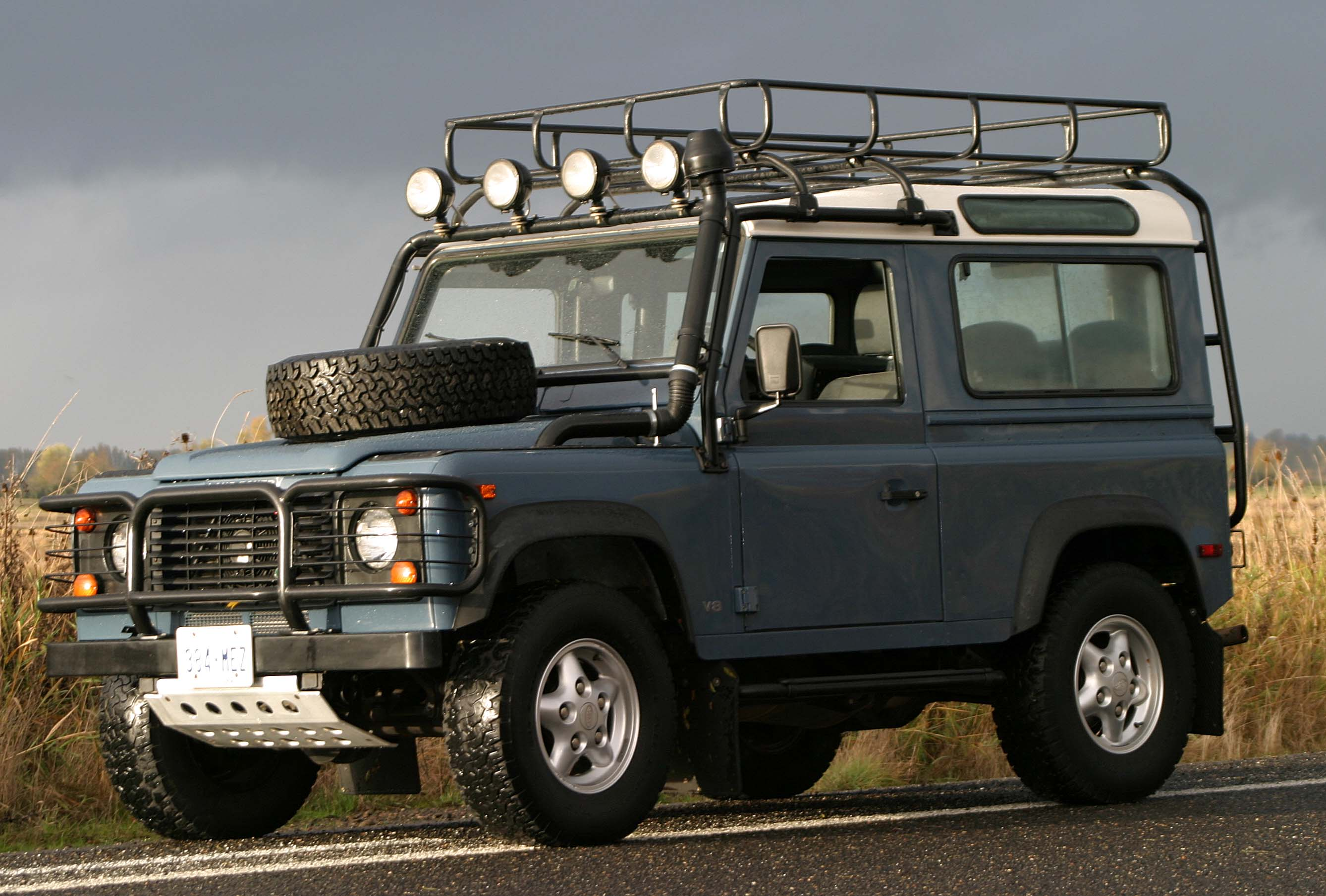 Land Rover Defender 90 3 5 V8 134 Hp