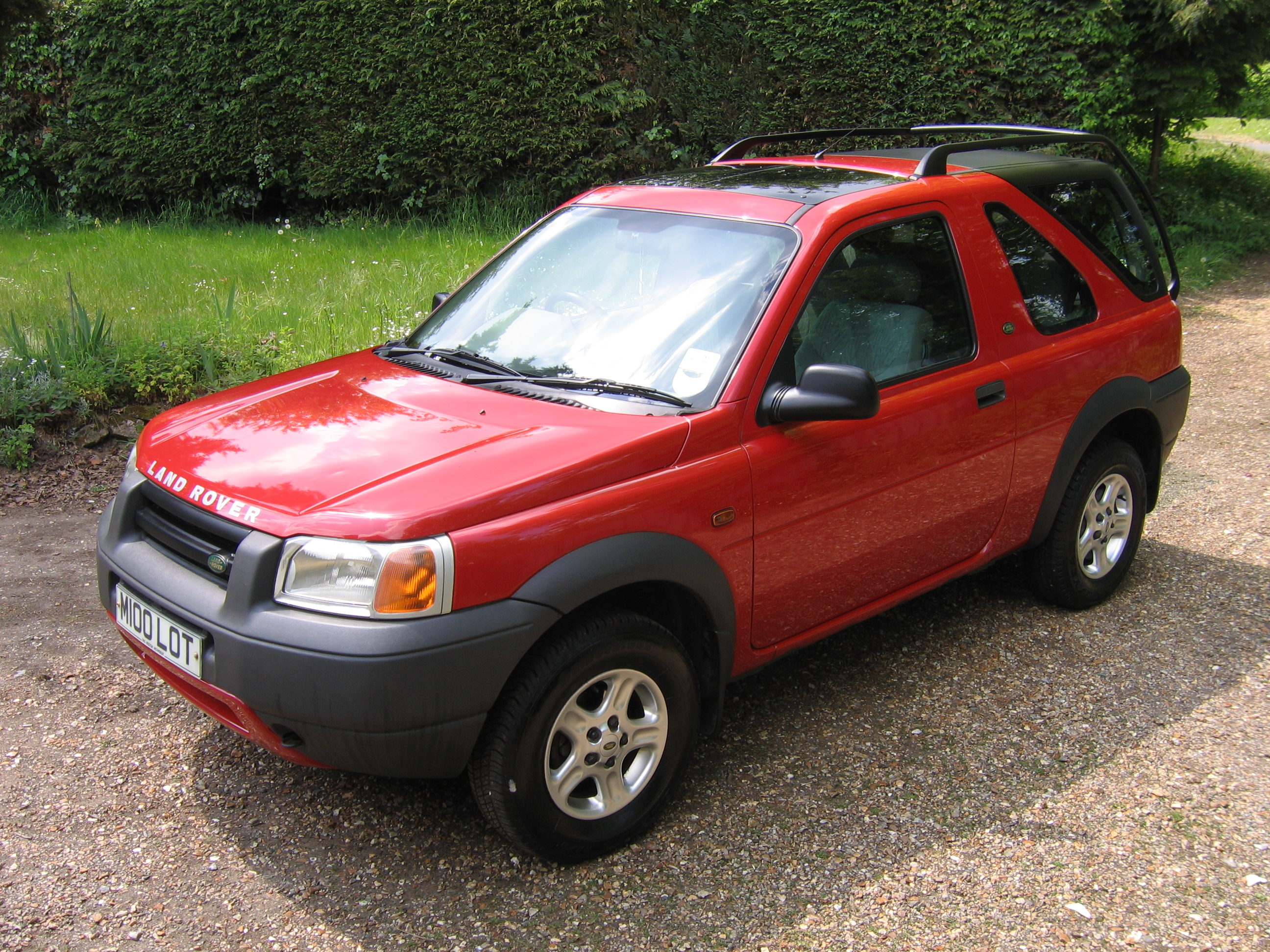 land rover freelander technical specifications and fuel. Black Bedroom Furniture Sets. Home Design Ideas