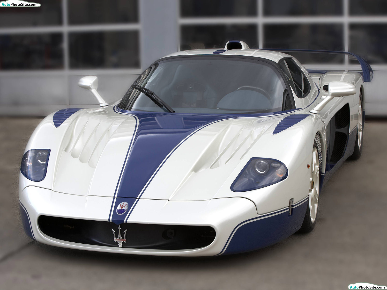 maserati mc12 technical specifications and fuel economy. Black Bedroom Furniture Sets. Home Design Ideas