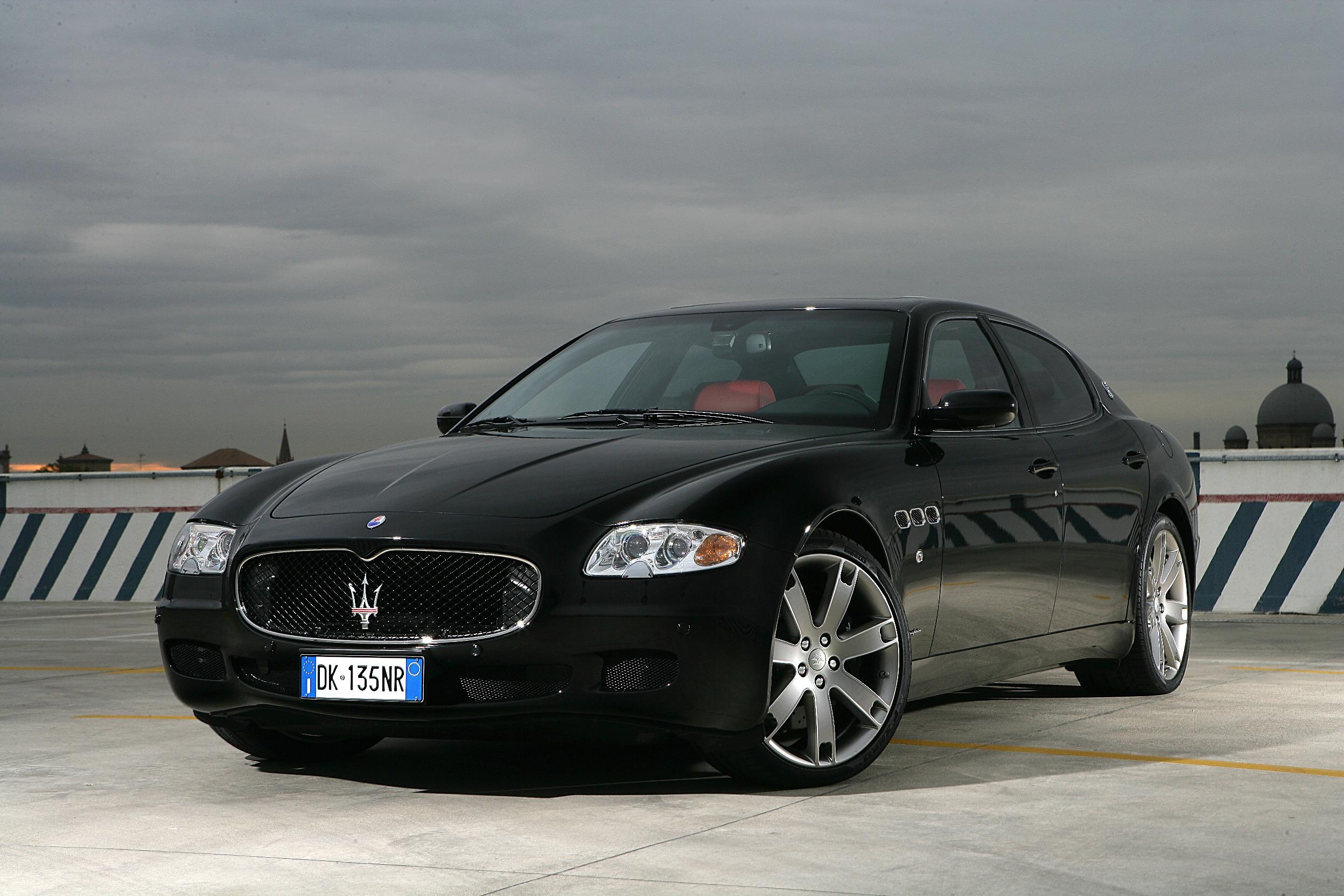maserati quattroporte auto specifiche tecniche e il consumo di carburante. Black Bedroom Furniture Sets. Home Design Ideas