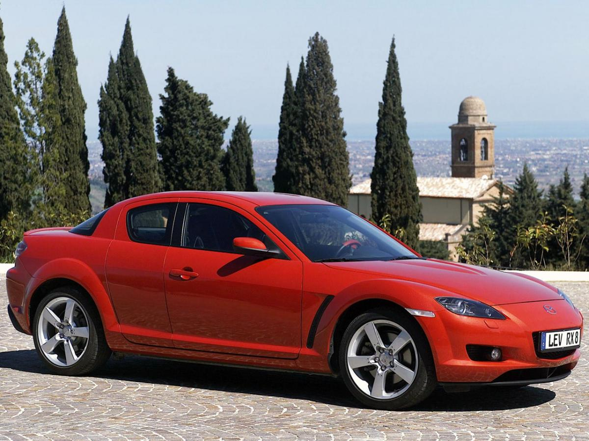 mazda rx 8 las especificaciones t cnicas y el consumo de combustible. Black Bedroom Furniture Sets. Home Design Ideas