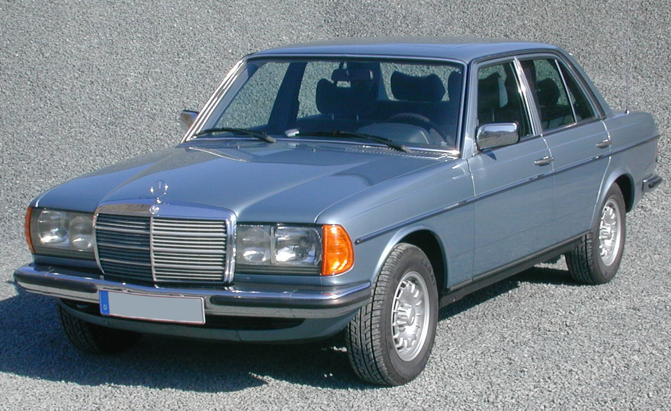Mercedes benz 220 technical specifications and fuel economy for Types of mercedes benz cars