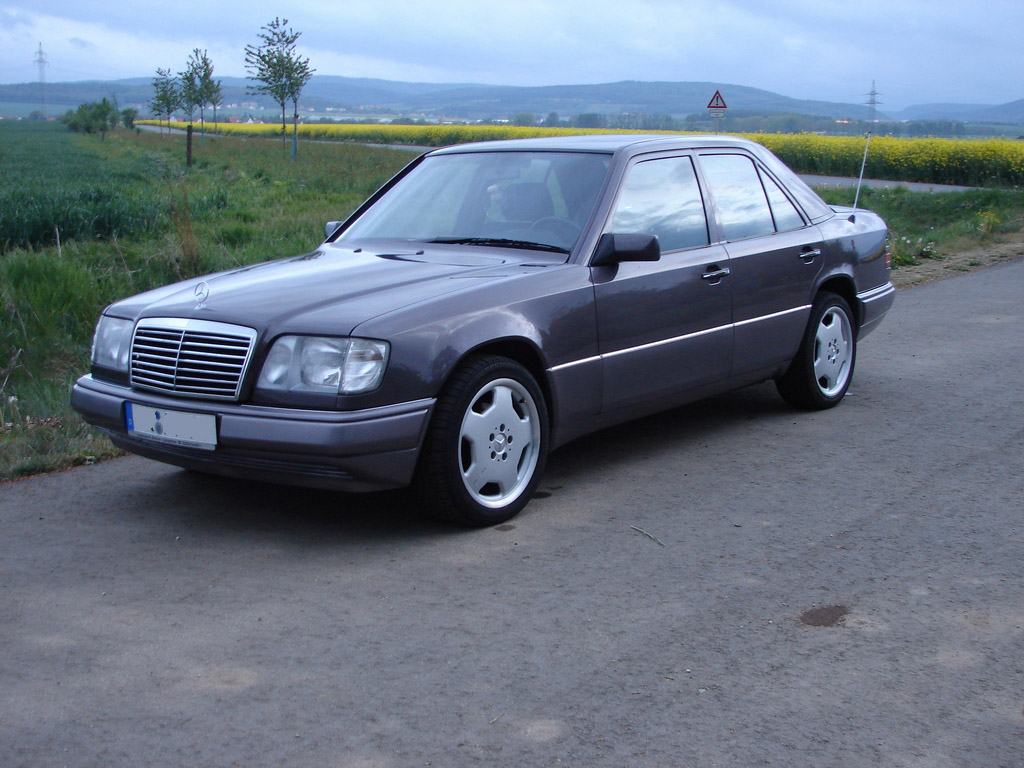 Mercedes benz 220 w124 220 e 150 hp for Mercedes benz schedule a