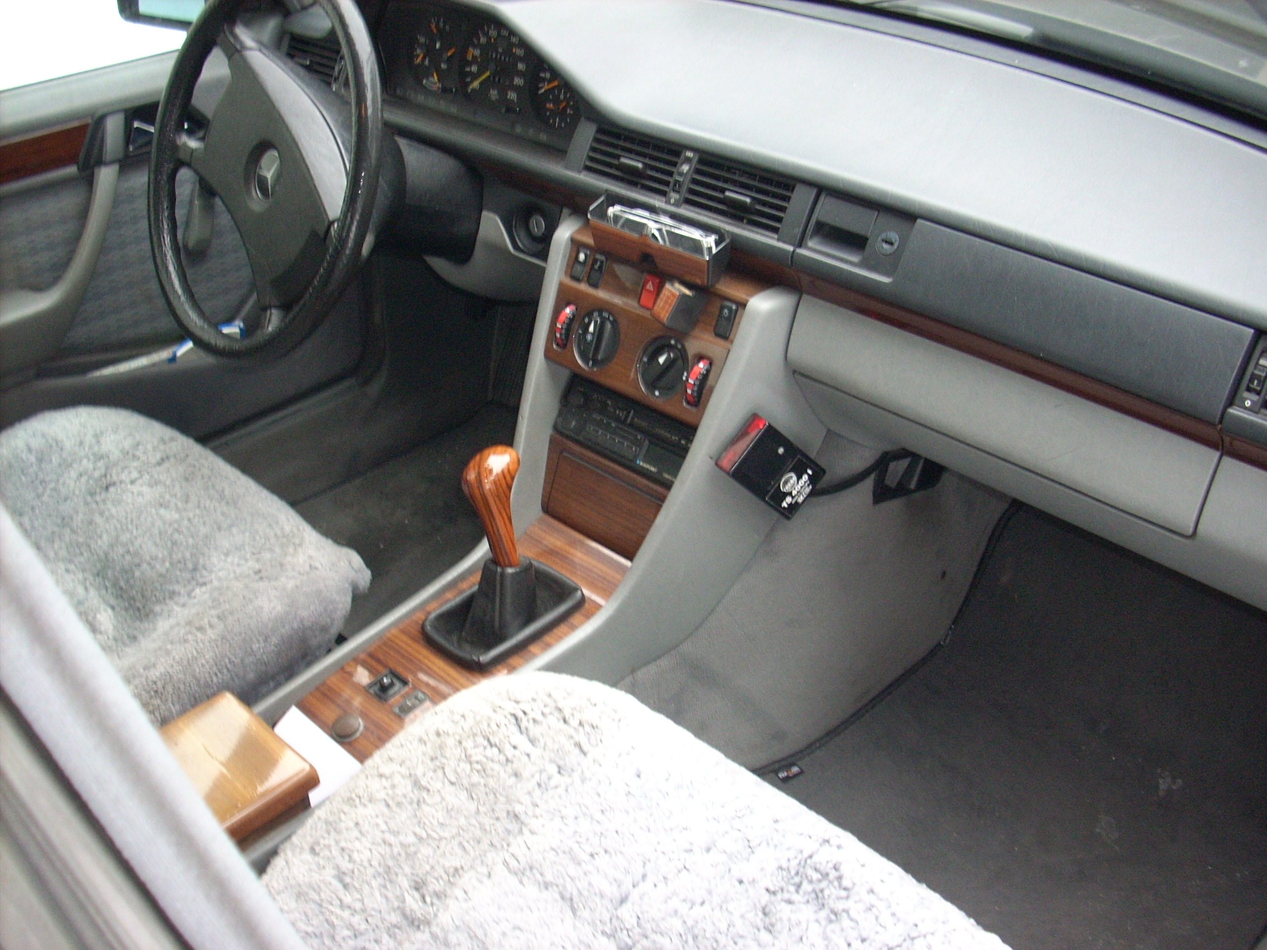 Mercedes benz 230 technische daten und verbrauch for Mercedes benz of wilmington de