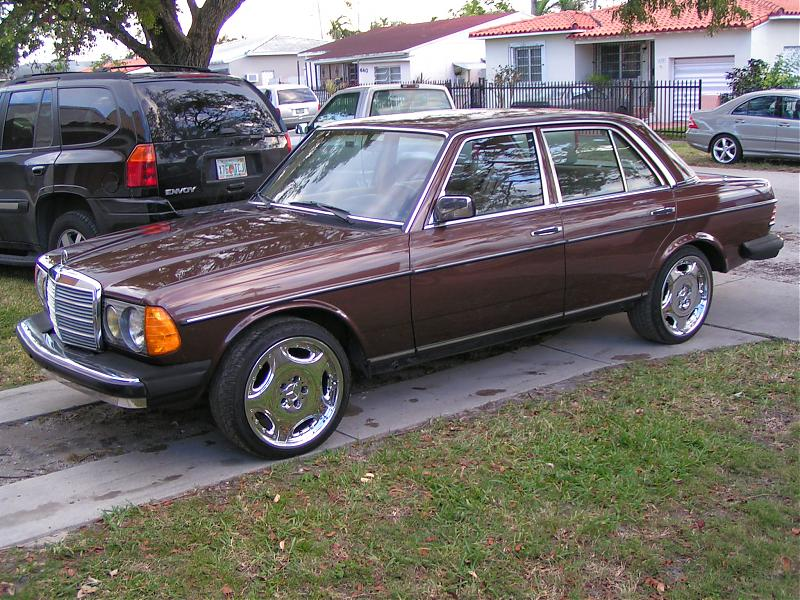 Mercedes benz 240 technical specifications and fuel economy for Mercedes benz 240