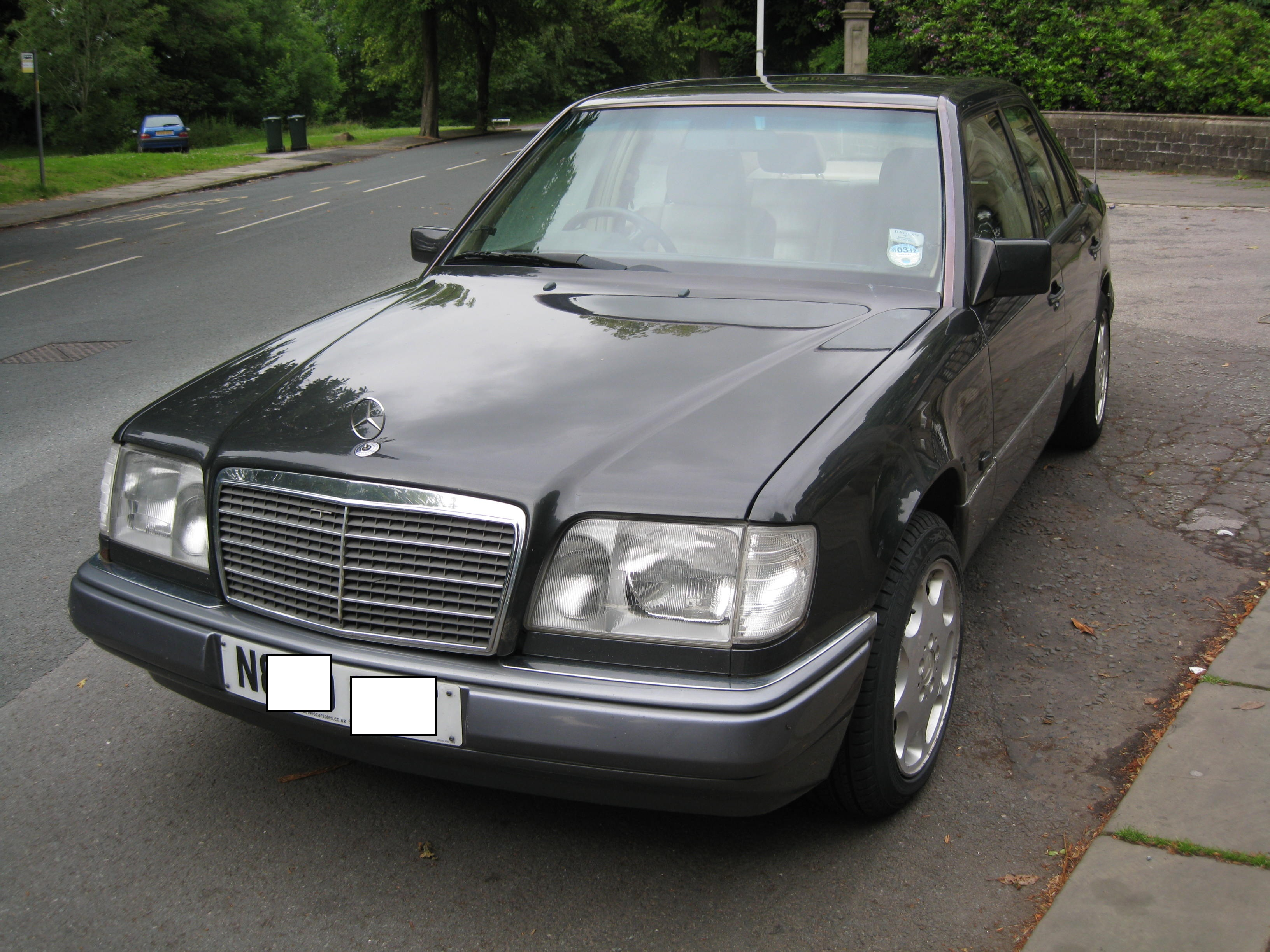 Mercedes benz 280 technical specifications and fuel economy for Mercedes benz mileage