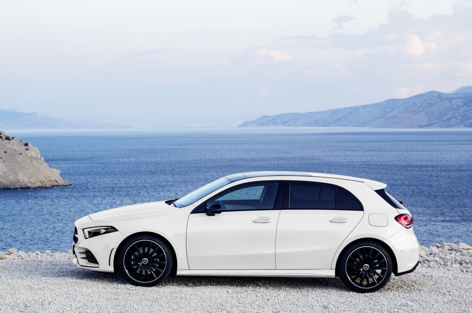 Mercedes benz a class technical specifications and fuel for Mercedes benz b class specifications