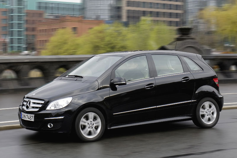 mercedes benz b class technical specifications and fuel economy. Black Bedroom Furniture Sets. Home Design Ideas