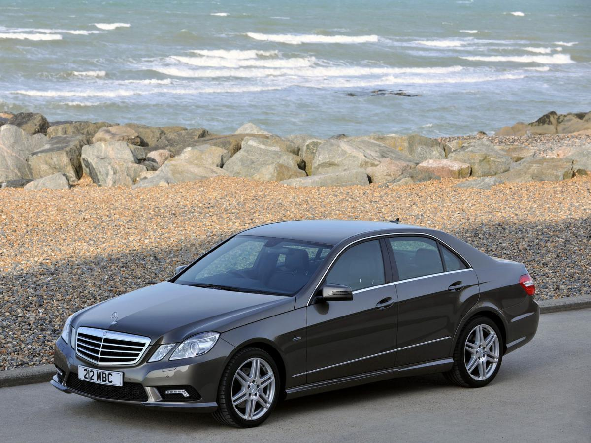 mercedes benz e class w212 e 350 4matic 272 hp 7g tronic. Black Bedroom Furniture Sets. Home Design Ideas