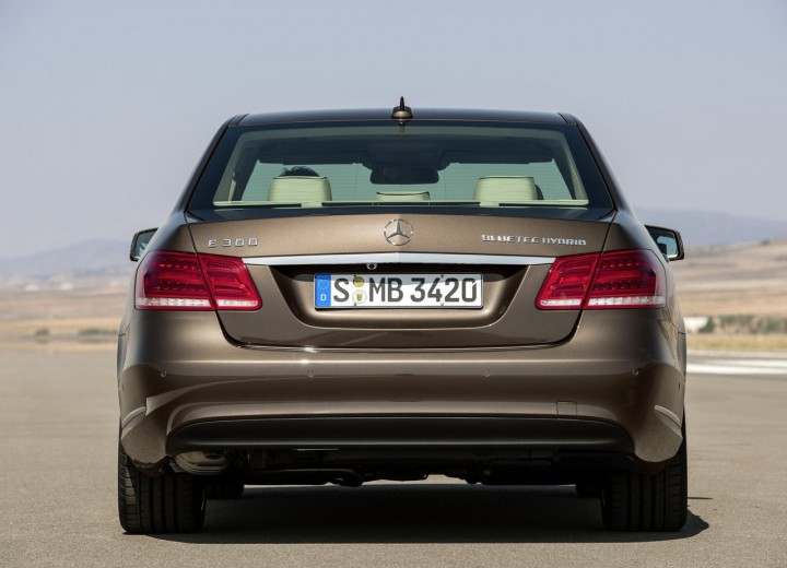 Mercedes benz e class w212 facelift 2013 e 350 4matic for Mercedes benz e class 4matic
