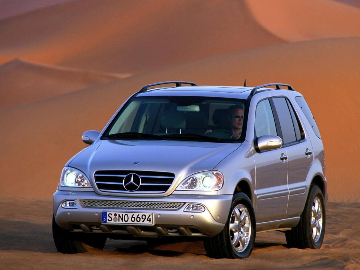 mercedes benz ml technical specifications and fuel economy. Black Bedroom Furniture Sets. Home Design Ideas