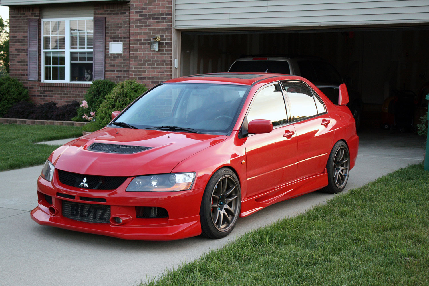 mitsubishi lancer evolution ix 2 0 280 hp evo. Black Bedroom Furniture Sets. Home Design Ideas
