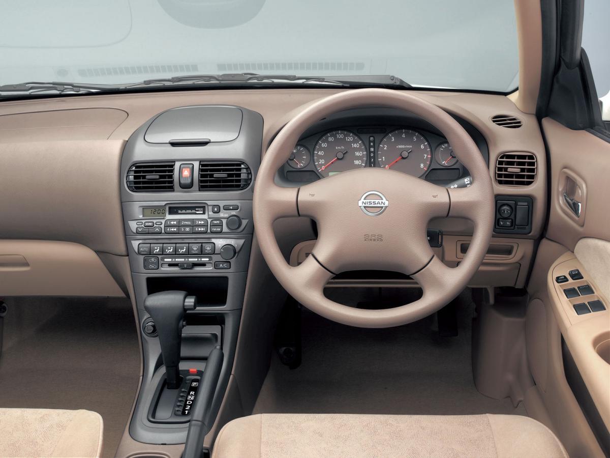 Nissan Sunny (B15) 1.3 i 16V (90 Hp)