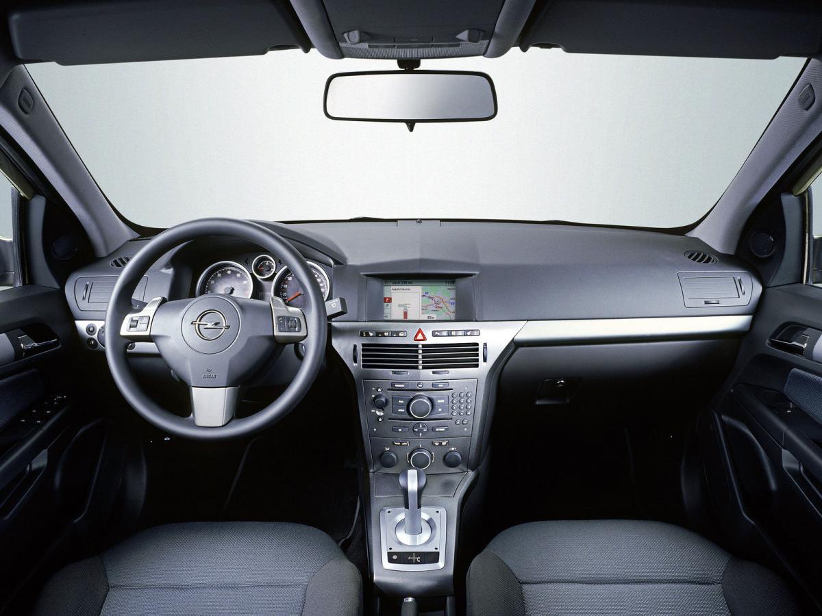 Opel Astra H Sedan 1 8i 16v 140 Hp