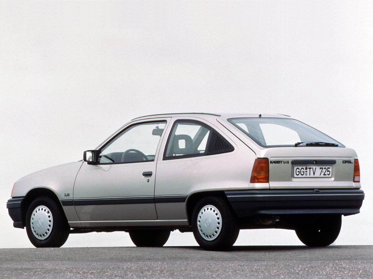 Opel kadett e cc 1 6 d 55 hp for Opel kadett e interieur
