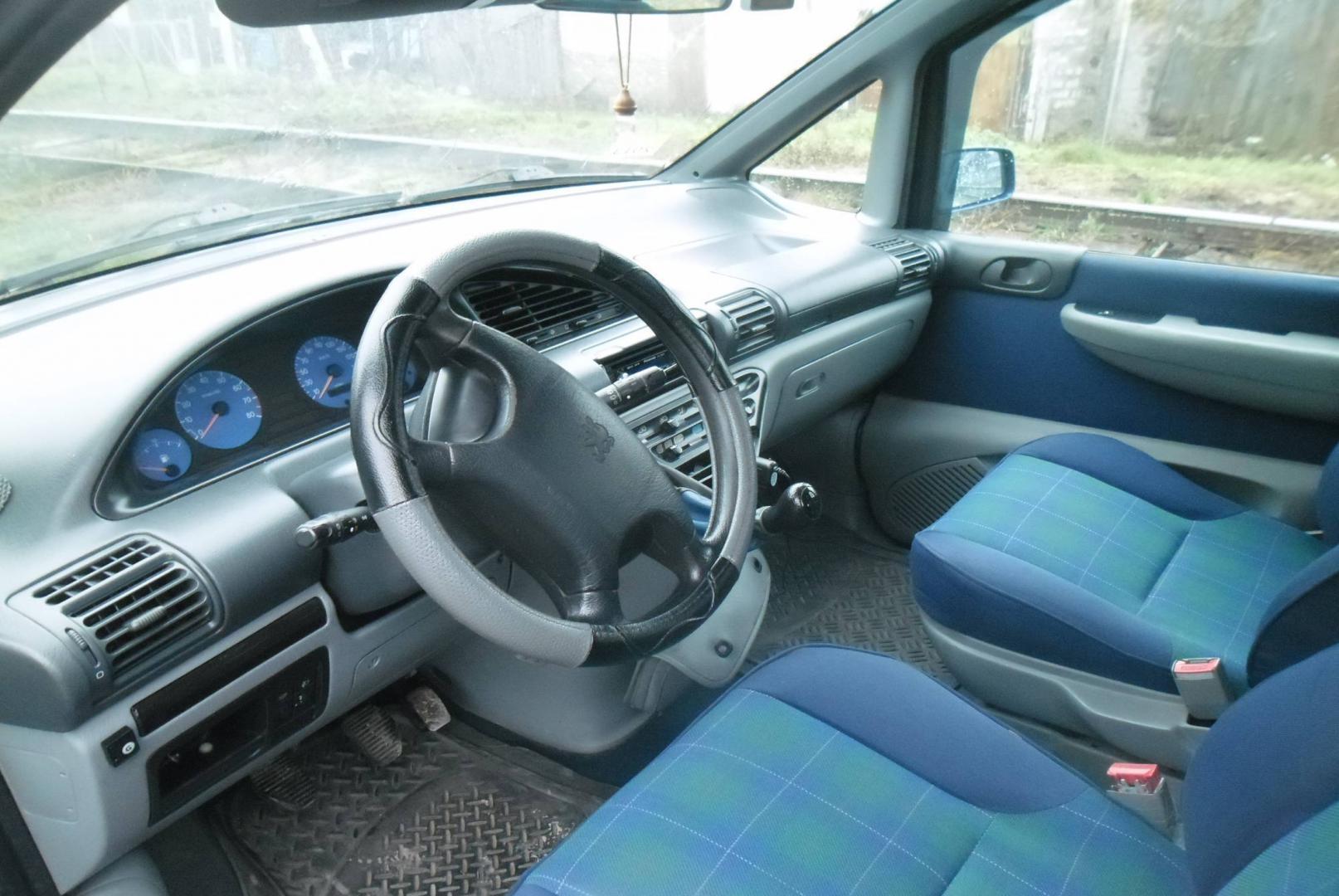 Peugeot 806 (221) 2.0 16V (136 Hp)