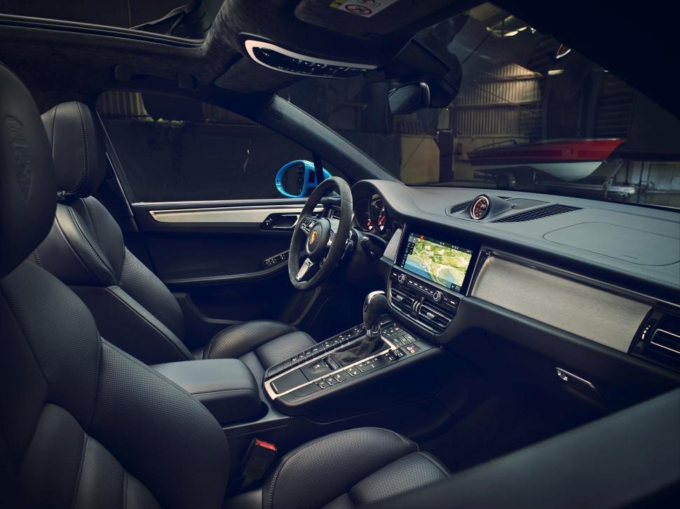 porsche macan facelift 2018 2 0 252 hp 4x4 pdk. Black Bedroom Furniture Sets. Home Design Ideas