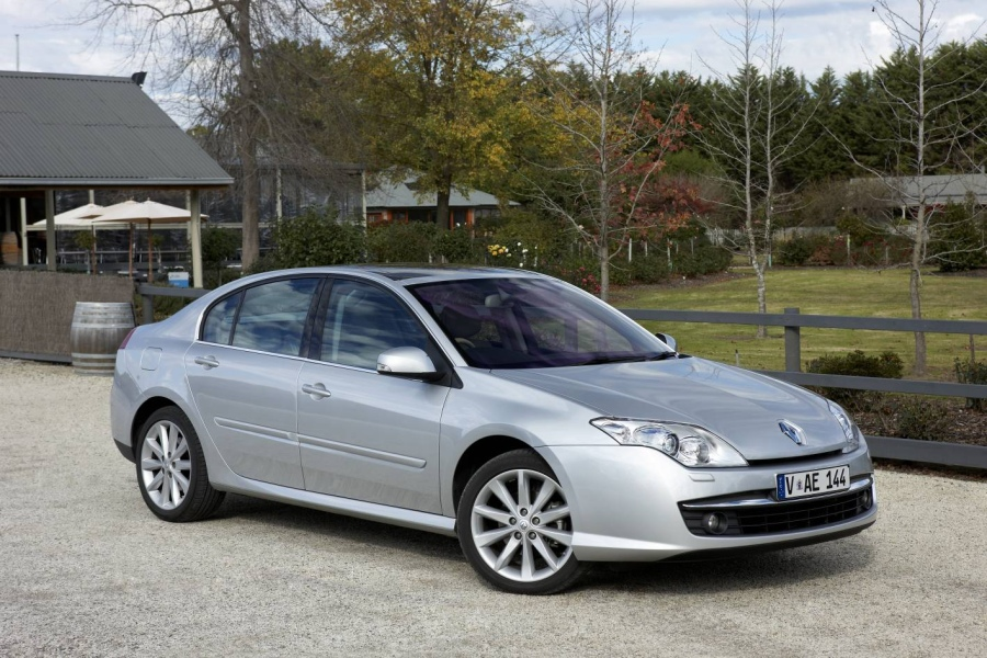 renault laguna iii 1 6 16v 110hp. Black Bedroom Furniture Sets. Home Design Ideas