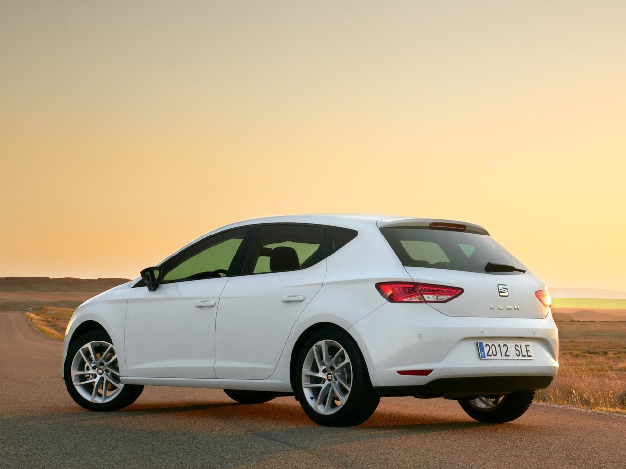 seat leon technical specifications and fuel economy. Black Bedroom Furniture Sets. Home Design Ideas