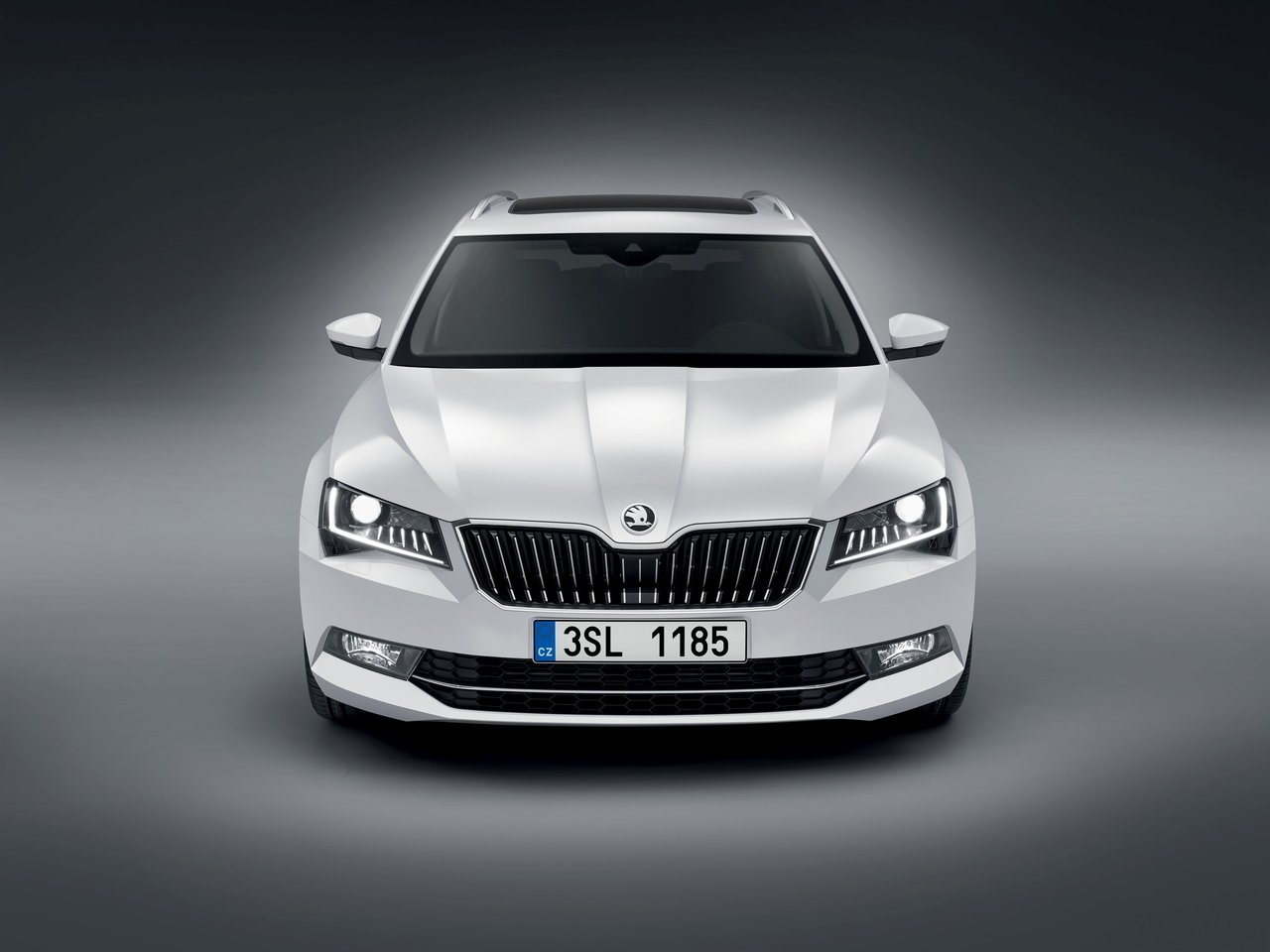 skoda superb ii combi facelift 2013 2 0 tsi 200 hp dsg. Black Bedroom Furniture Sets. Home Design Ideas