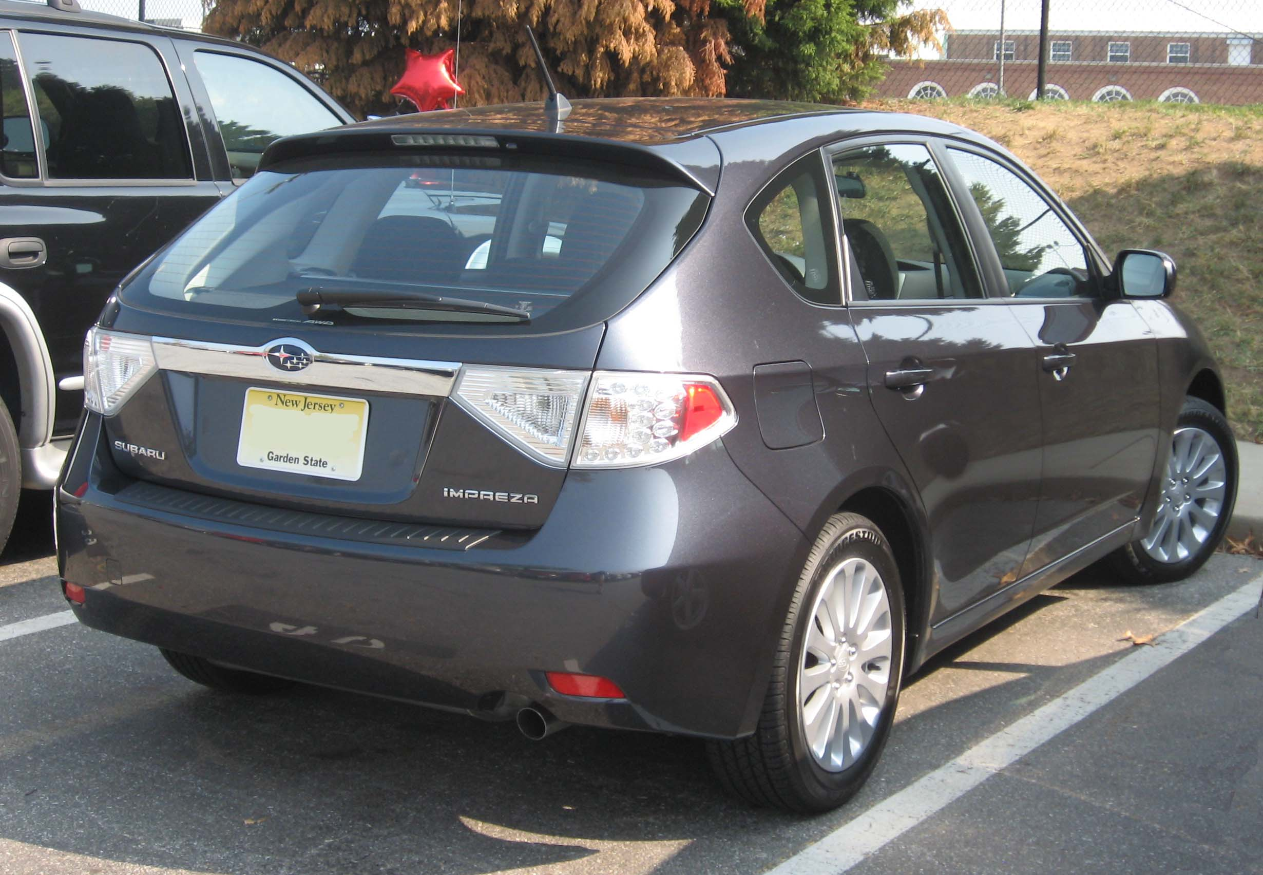 Subaru impreza hatchback specs