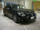 Toyota  Crown Athlete XIV (S210)  2.5 G i-Four V6 24V (203 Hp) 4WD Automatic
