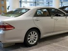 Toyota  Crown Royal XIII (S200, facelift 2010)  2.5 i-Four V6 24V (203 Hp) 4WD Automatic