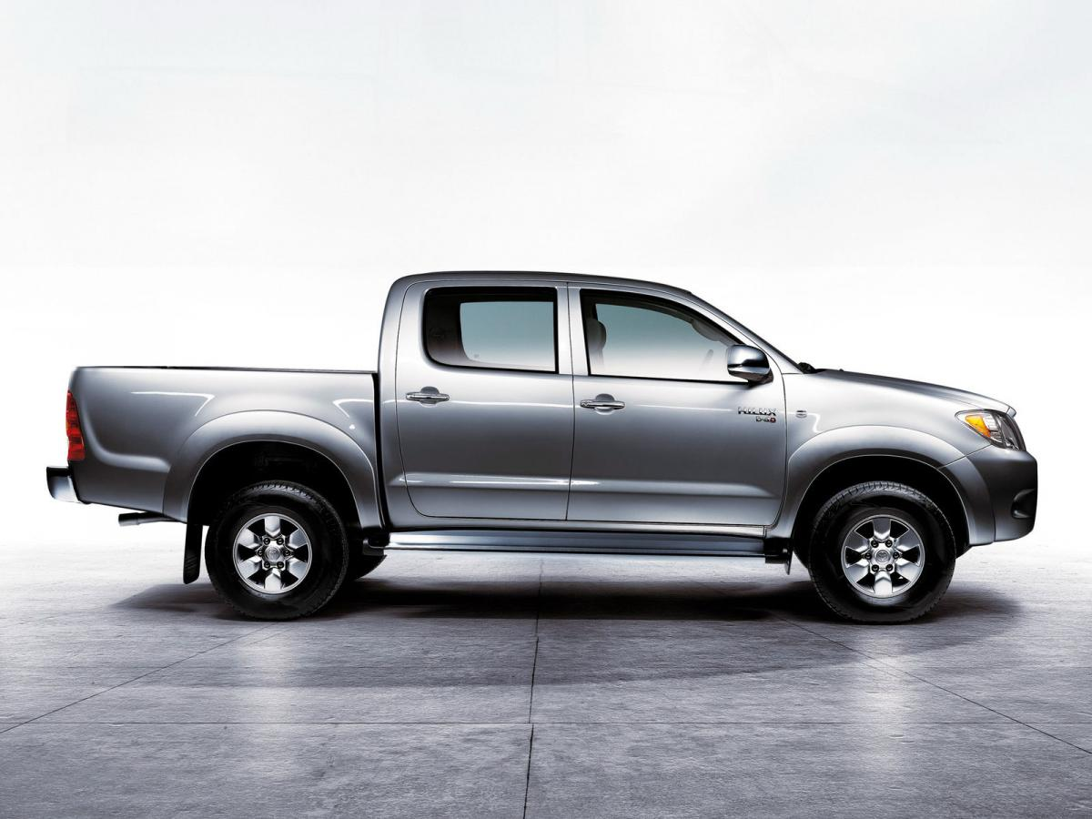 toyota hilux technical specifications and fuel economy. Black Bedroom Furniture Sets. Home Design Ideas