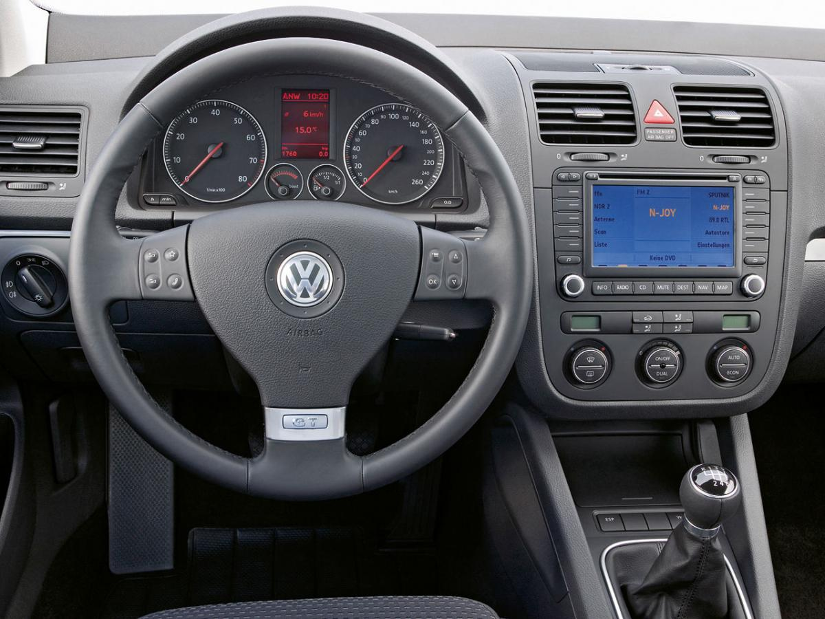 Volkswagen golf v 2 0 tdi dpf 170 hp for Interieur golf 5