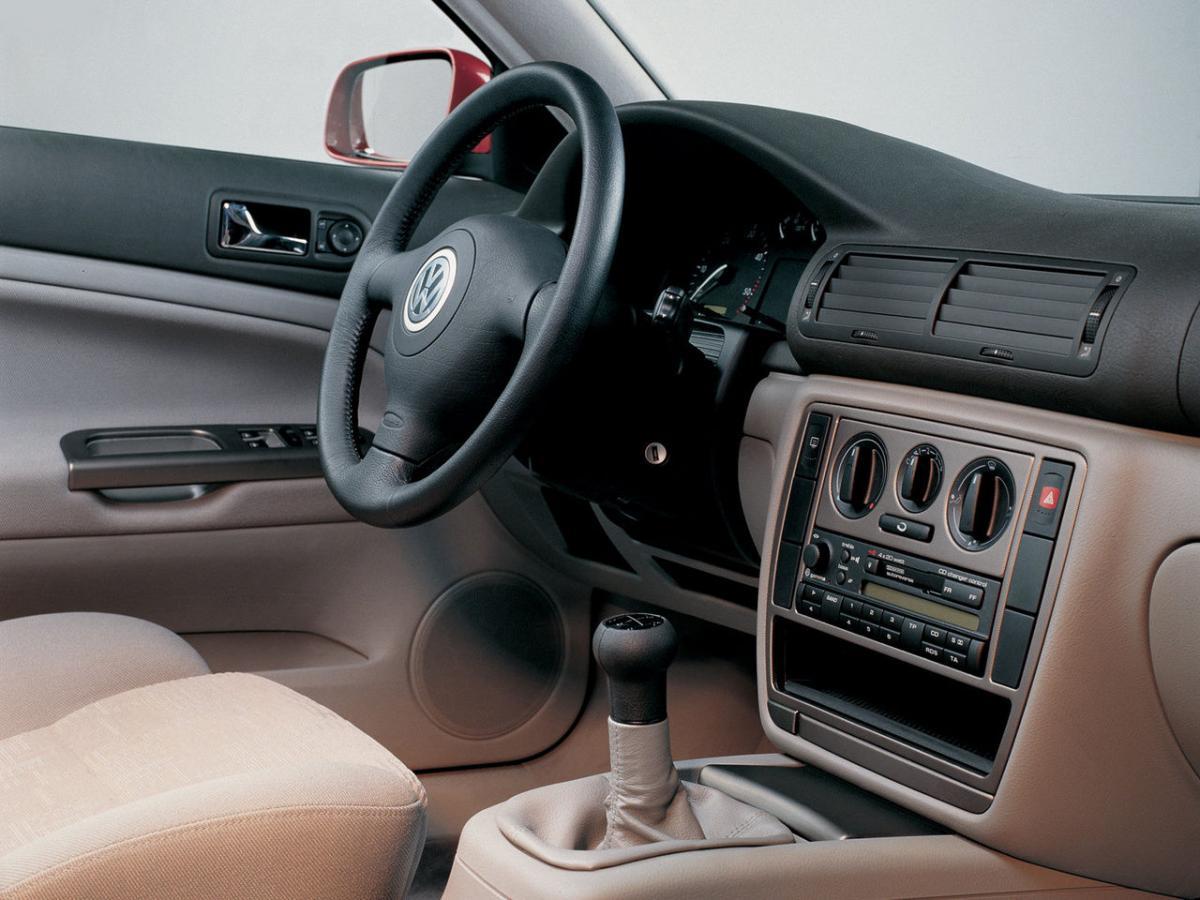 Volkswagen passat b5 1 8t 20v 170 hp for Volkswagen passat 2000 interior