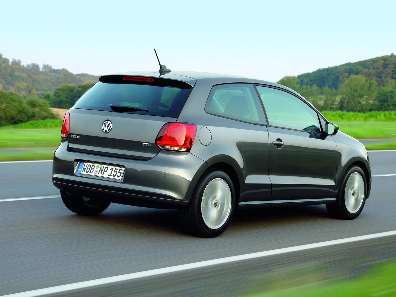 volkswagen polo v 1 2 105 hp tsi dsg. Black Bedroom Furniture Sets. Home Design Ideas