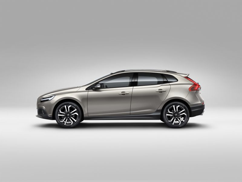 volvo v40 cross country facelift 2016 2 0 d3 150 hp. Black Bedroom Furniture Sets. Home Design Ideas