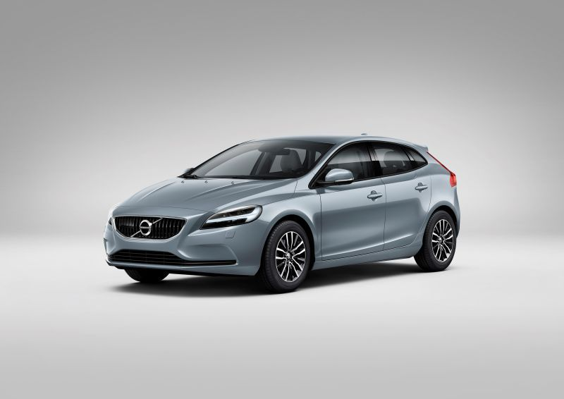 volvo v40 facelift 2016 1 5 t2 122 hp geartronic. Black Bedroom Furniture Sets. Home Design Ideas