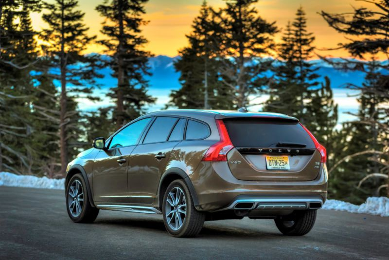 volvo v60 cross country 2 0 d3 150 hp automatic. Black Bedroom Furniture Sets. Home Design Ideas